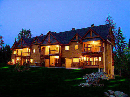 Red Mountain Village 4 Bedroom Condo at the base of Red Resort in Rossland BC
